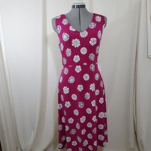VINCE CAMUTO Magenta and White V Cut Dress size L